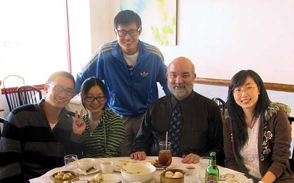 Bill Slater and ITM 576 students enjoy dim sum
